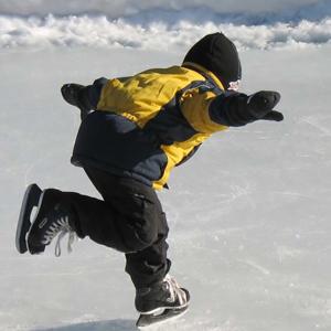 SS-ice-skating-child-snow-300x300