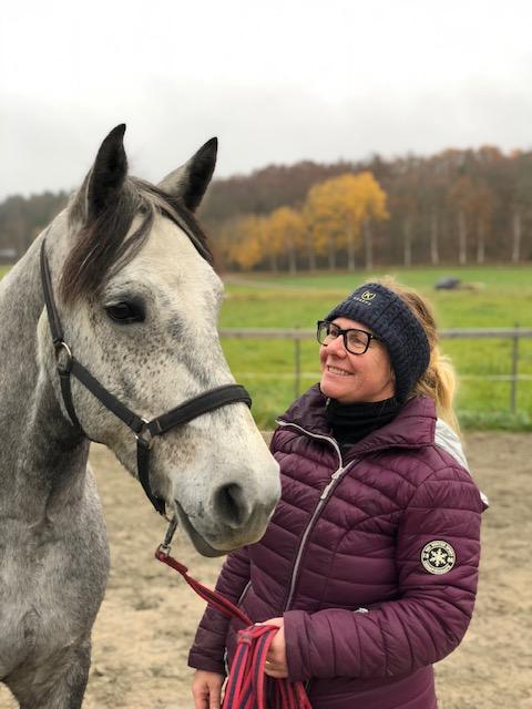 Equiband för ponnymammor