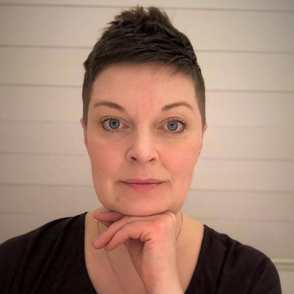 JULIA MIKKELÄ ANDERSSON